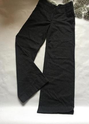 Стильные брюки с высокой посадкой 40% wool h&m