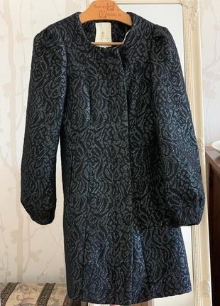 Женское пальто от дорогого бренда