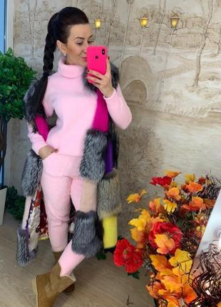 Теплый костюм нежно-розвого цвета