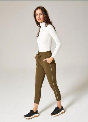 Стильные штаны фирмы jennyfer!
