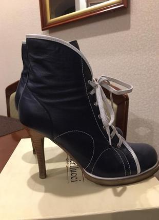 Итальянские бонитки на каблуке