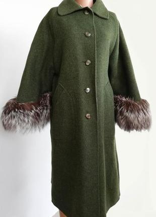 Эксклюзивное пальто из альпаки , мех чернобурка , хаки италия