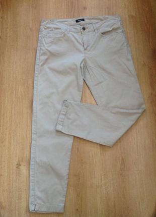 Бежевые зауженные фирменные итальянские брюки s/m/ brend max& co/ max mara