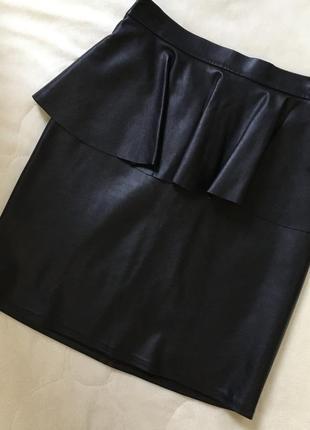 Кожаная юбка с баской 😍