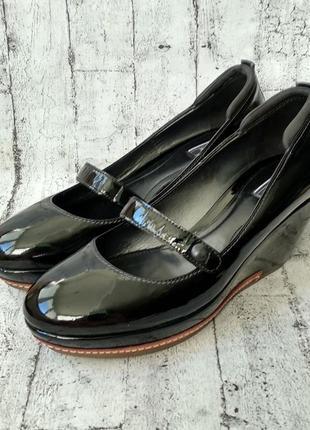 Итальянские туфли из лак кожи vic matie made in italy 39 р.