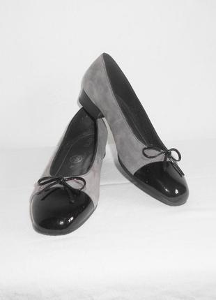 Замшевые  кожаные балетки  туфли ara