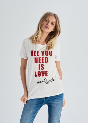 10-71 жіноча футболка sinsay з написом all you need is new shoes женская футболка
