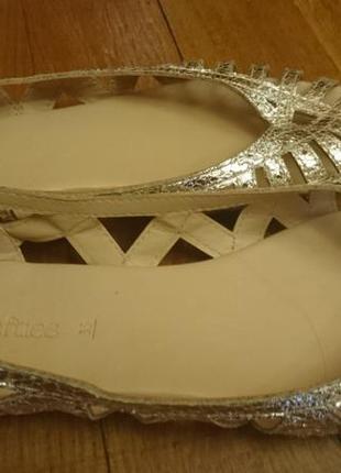 Нарядные туфельки-босоножки lefties