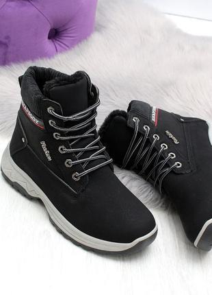 Зимние ботинки с мехом искусственным черные