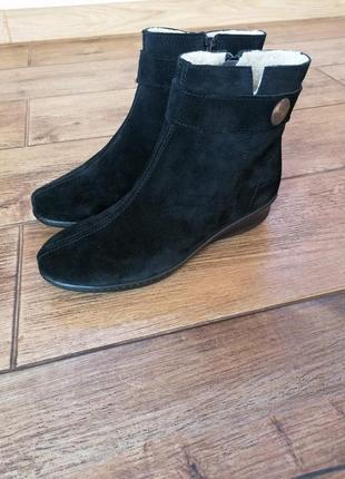 Элегантные теплые  ботинки inblu. натуральная замша.