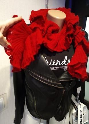 Шерстяной теплый оригинальный красный шарф воланы