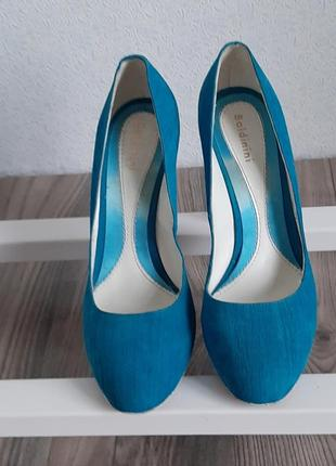 Женские туфли бренда baldinini