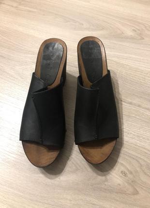 Esprit кожаные босоножки 40 размера