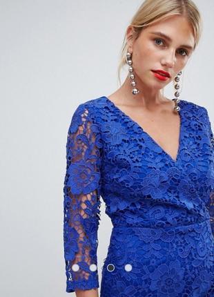 Вечернее кружевное платье paper dolls синего цвета