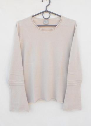 Кашемировый свитер джемпер с длинным  расклешенным рукавом ftc