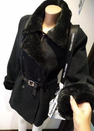 Крутое стильное зимнее пальто из натуральной шерсти