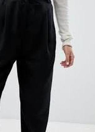 Универсальные брючки monki свободный крой под джогеры, сзади на резинке как новые