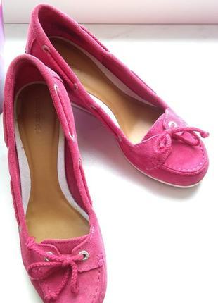 Яркие туфли lacoste