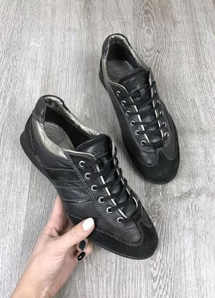 Классические кроссовочки ecco