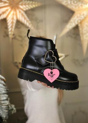 Шикарные ботинки dr martens с сердечком (осень/зима)