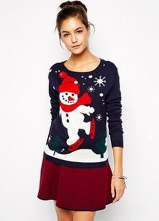 Новогодний  асимметричный свитер со снеговиком размер м