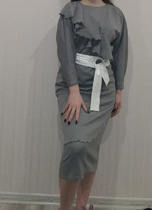 Платье миди в стиле ретро