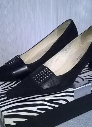 Туфли замшевые со стразами basic editions
