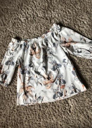 Блуза в цветочный принт goldi