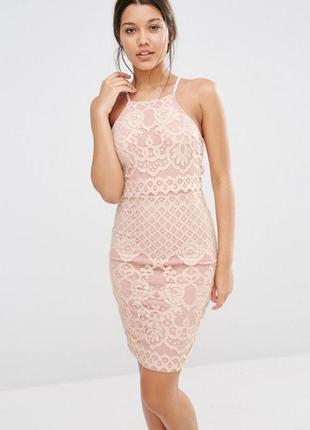 Пудровое кружевное платье миди по фигуре missguided p.40-42