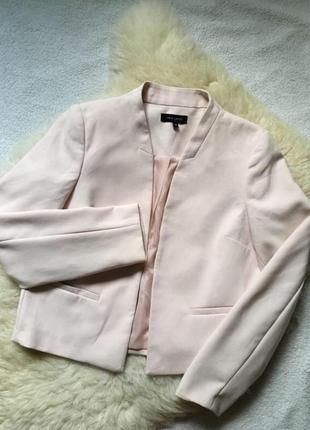 Крутой пиджак пудра new look