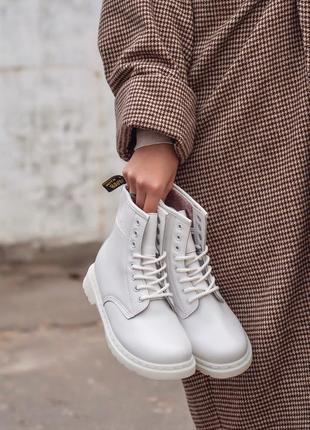 Dr. martens 1460 white fur женские зимние ботинки с мехом белые мартинс