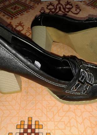 Туфли на наборном каблуке,36р-р.