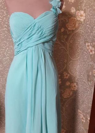 Очаровательное мятное платье