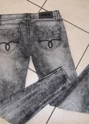 Стильные джинсы alcott jeans