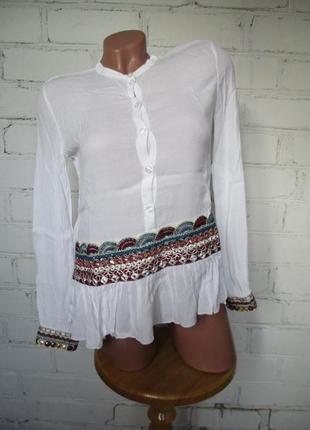 Рубашка/блуза белая вискозная с вышивкой и пайетками/вискоза