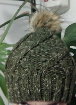 Модная вязанная шапочка