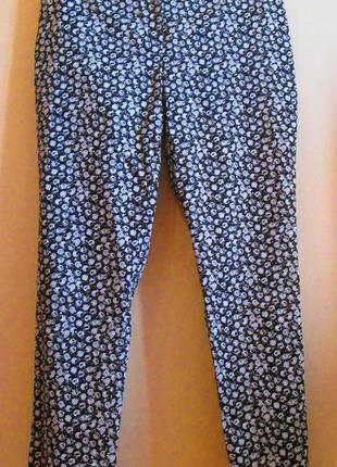 New красивые актуальные зауженные штаны брючки f&fкотон принт размер 14