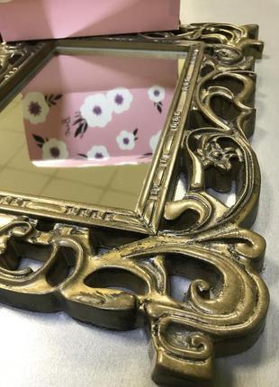 Шикарное зеркало в резной раме из дуба