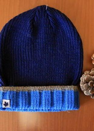 Теплая вязаная шапка на мальчика