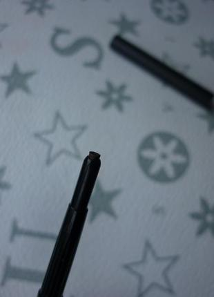 Карандаш для бровей от mac eye brows в оттенке spiked