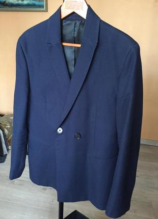 Приталенный пиджак темно синий