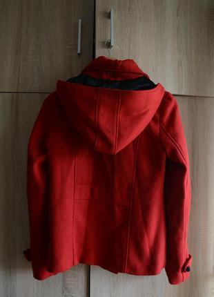Классное демисезонное пальто, красный дафлкот от atmosphere4