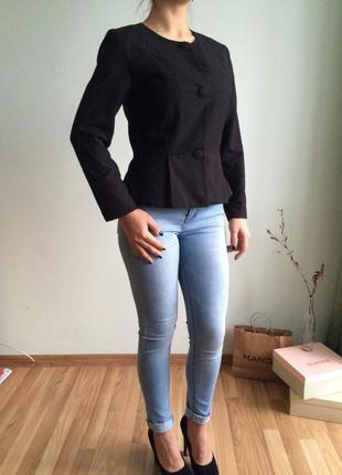 Шикарный пиджак жакет с баской от h&m