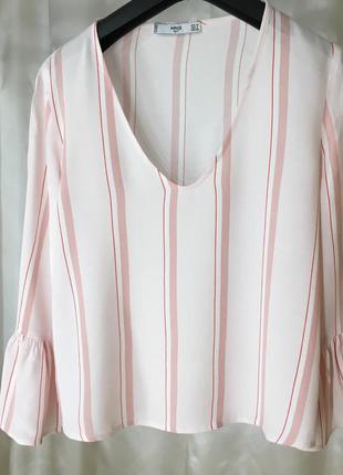 Нежная блузка с воланами mango