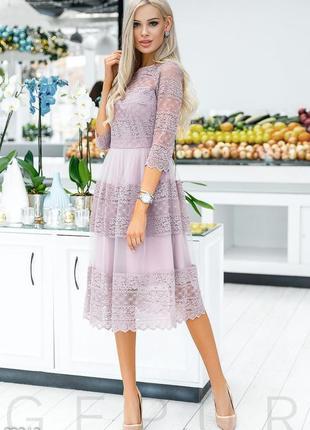 Красивое платье миди с кружевом gepur