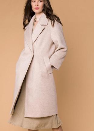 Нюдовое бежевое пальто оверсайз (oversize)