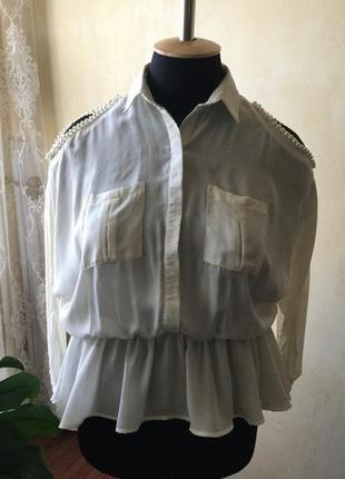 Нарядная стильная блуза boohoo,с открытыми плечиками, цвет айвори, размер 10-16