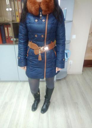 Классная  зимняя куртка - пуховик