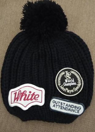 Зимняя вязаная женская шапка с помпоном черная