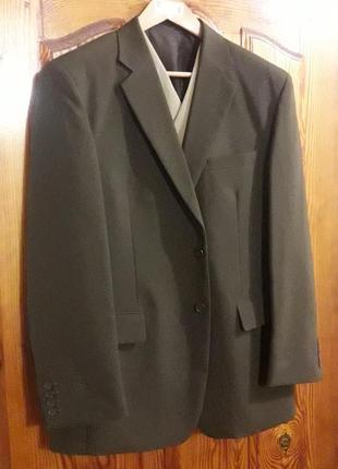 Новый немецкий мужской классический брючный костюм-тройка 52 р-р.
